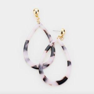 Vienna Cut out Teardrop Celluloid Acetate Earrings